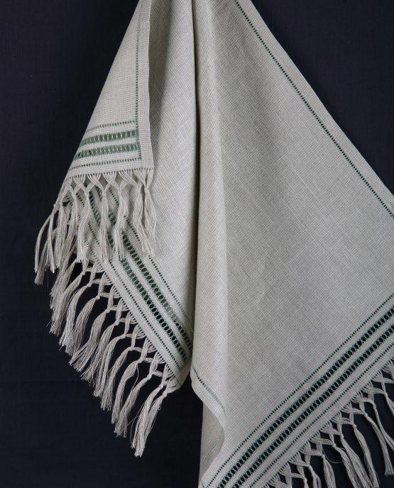 Полотенце с кистями